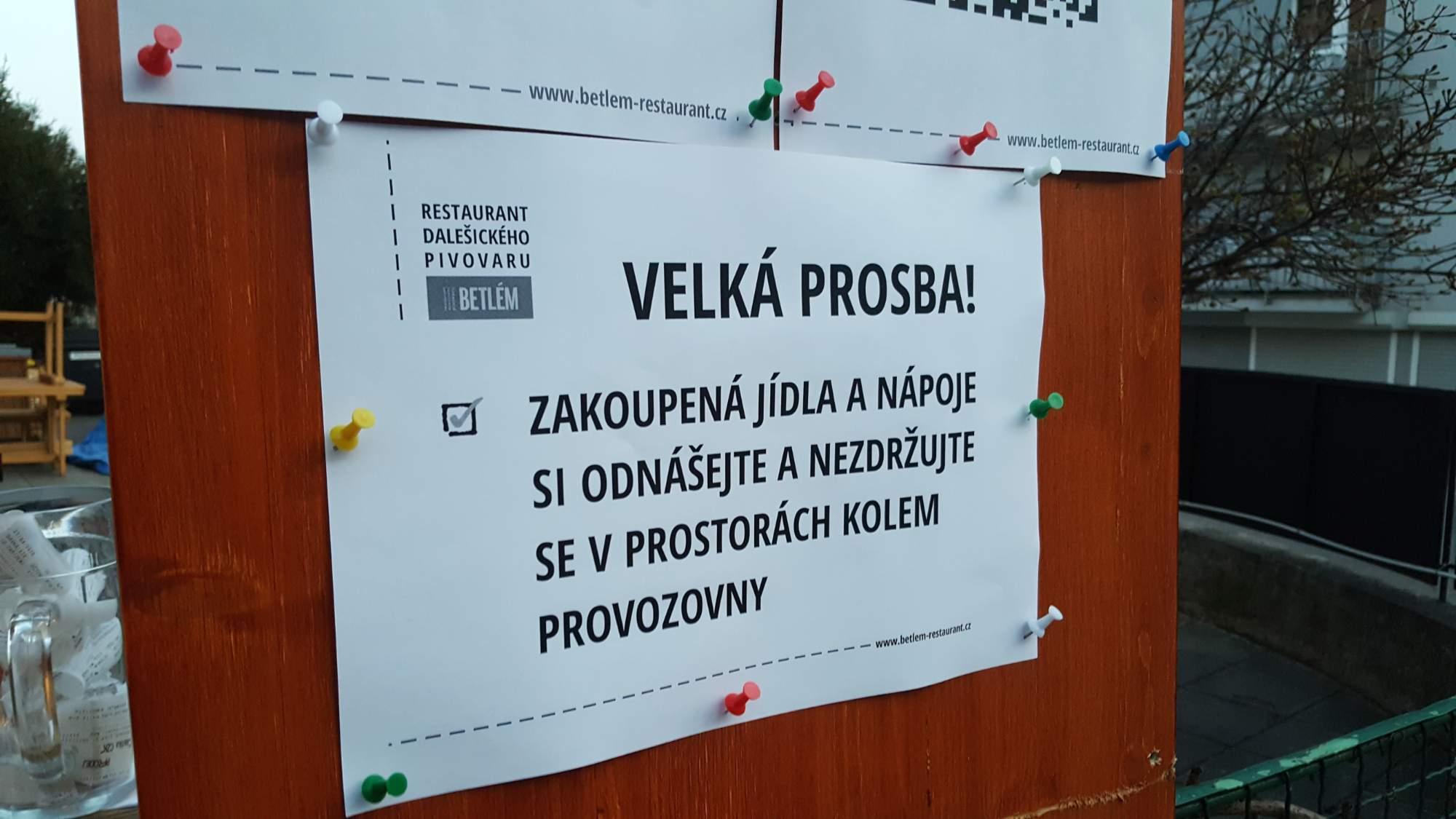 Mnoho provozoven je zatíženo vládními nařízeními, autor: Tomáš Pánek
