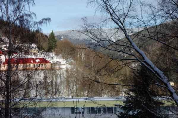 Větrné elektrárny někde poblíž Klínovce.