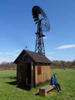 Větrný mlýnek Horní Datyně - Rekonstruovaný větrný mlýnek stál původně v Rychvaldě. Protože roky chátral, byl v roce 2014 rozebrán a v roce 2017 znovu postaven. V Horní Datyni stojí na místě, kde měl svoji dílnu na výrobu větrných mlýnků Josef Borový.