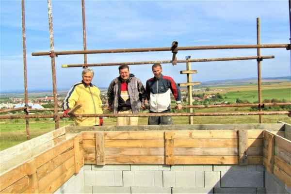 Ján Bolebruch 04.október - Dlho som tam nebol a na rozhľadni na Ostrom vrchu je zabetonovaný veniec, foto z FB..