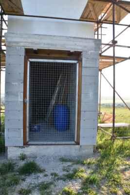 29.máj - Zatiaľ takéto dvere do rozhľadni.