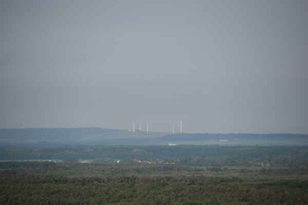 29.máj - Pohľad na veterné elektráňe v Rakúsku.