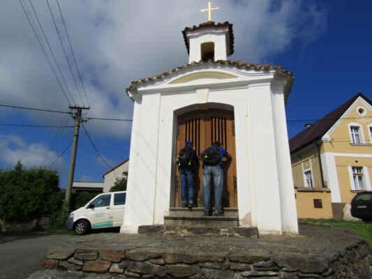 Míro, Honzík tady nebydlí - barokní kaple Nejsvětější Trojice