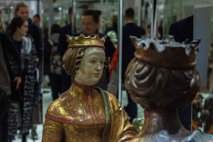 Jedna ze sošek v zrcadlovém labyrintu. Foto: Tereza Švecová