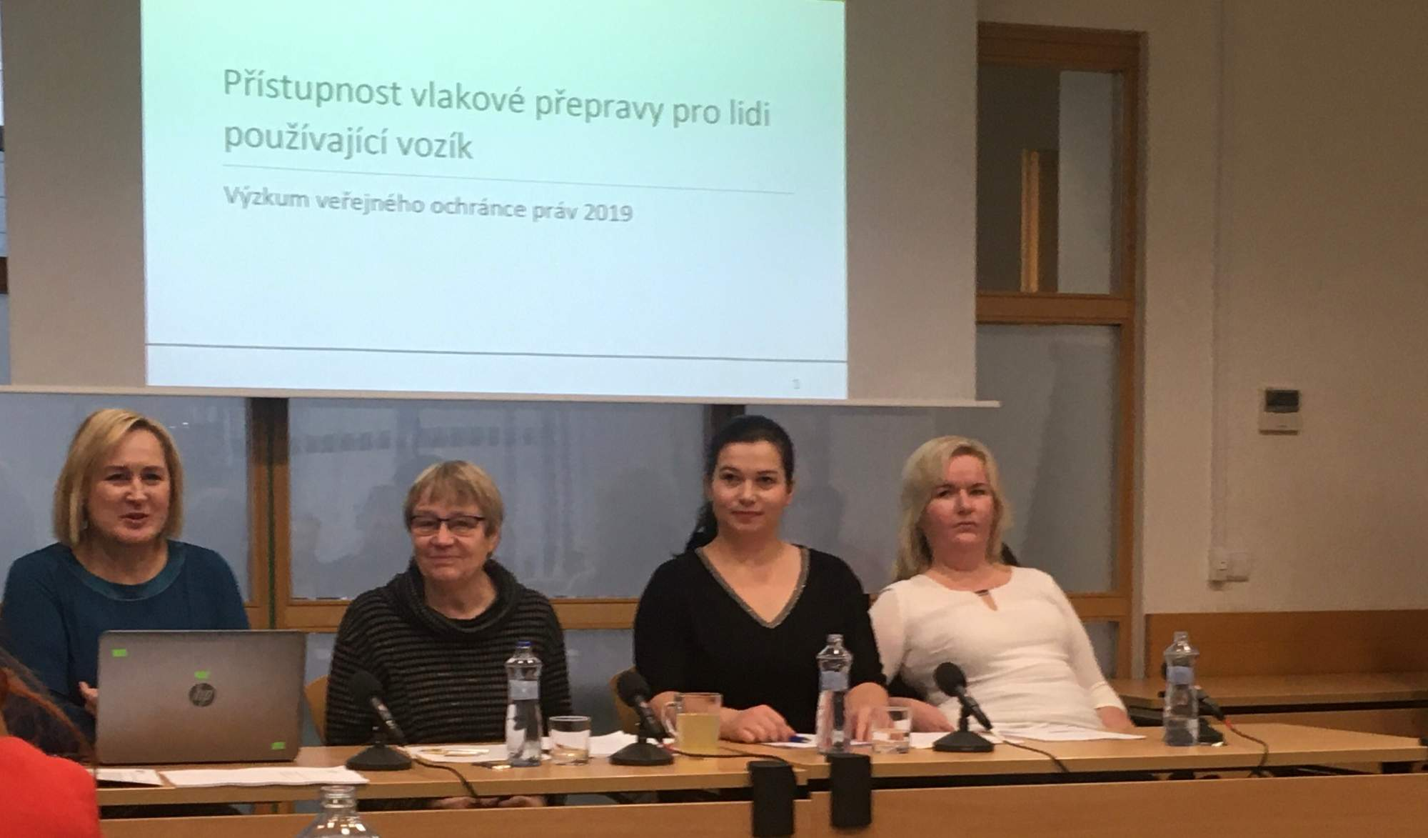 Tisková konference ombudsmanky Šabatové. Foto: Tereza Švecová