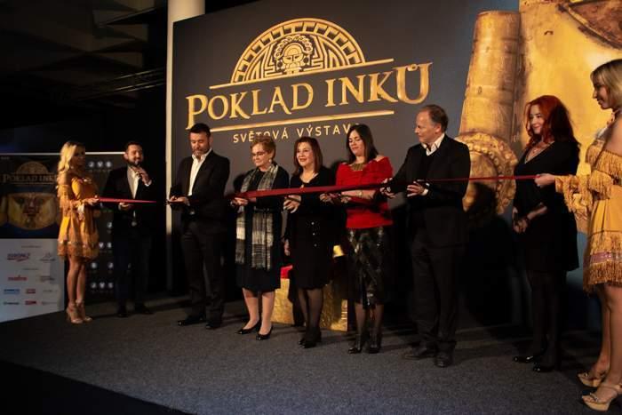 Slavnostní přestřihávání pásky k zahájení výstavy. Foto: Tereza Švecová