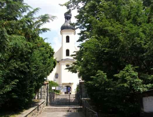 07 - Hlučín - kostel sv. Markéty 02 - schodiště ke kostelu