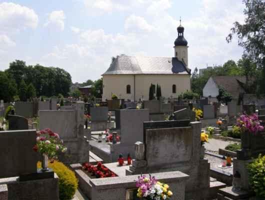 07 - Hlučín - kostel sv. Markéty 07 - kostel a hřbitov