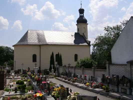 07 - Hlučín - kostel sv. Markéty 09 - boční pohled