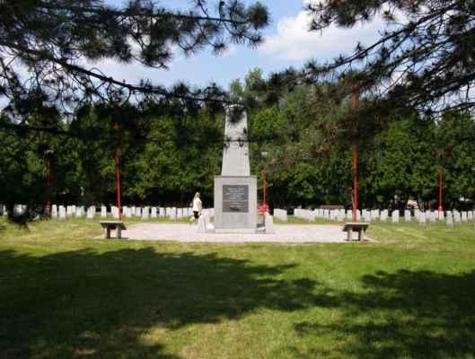 08 - Hlučín - bývalý židovský hřbitov 10 - hřbitov sovětských vojáků
