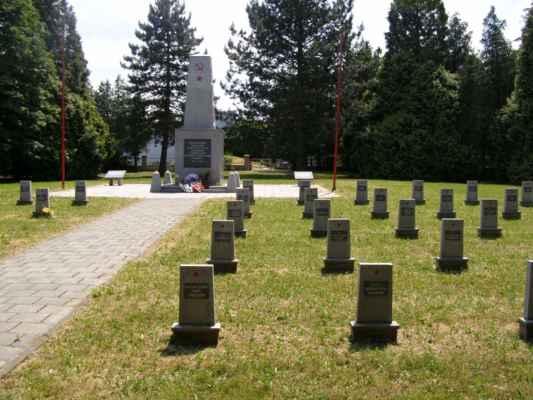 08 - Hlučín - bývalý židovský hřbitov 11 - hřbitov sovětských vojáků