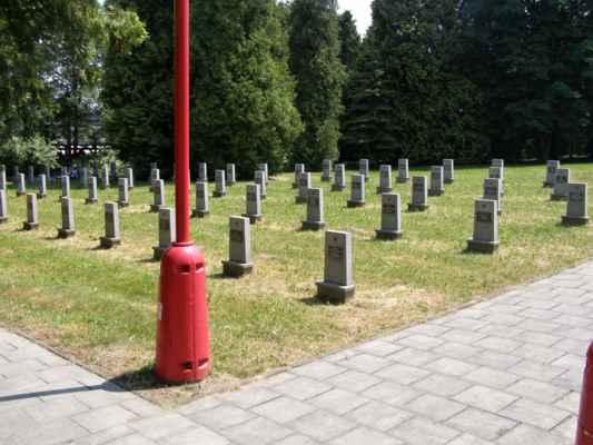 08 - Hlučín - bývalý židovský hřbitov 12 - hřbitov sovětských vojáků