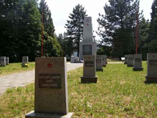 08 - Hlučín - bývalý židovský hřbitov 13 - hřbitov sovětských vojáků