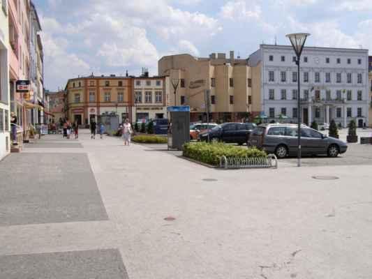 10 - Hlučín - Mírové náměstí 02 - roh náměstí s radnicí