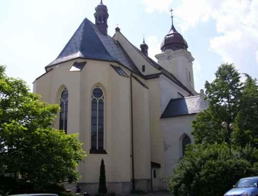 11 - Hlučín - kostel sv. Jana Křtitele 01 - zadní pohled
