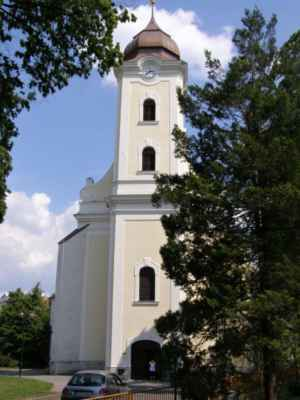 11 - Hlučín - kostel sv. Jana Křtitele 09 - čelní pohled