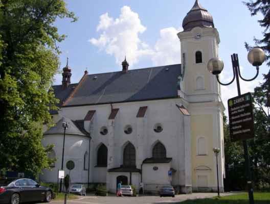 11 - Hlučín - kostel sv. Jana Křtitele 10 - boční pohled