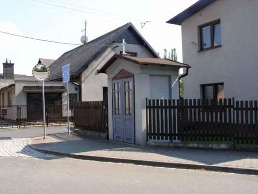 16 - Hlučín - kaple na Dlouhoveské ulici 04