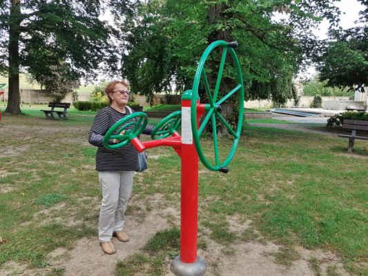 po snídani a procedurách si zacvičíme v parku
