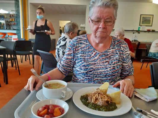 my s Janou měly špenát s bramborovým knedlíkem, byl výborný