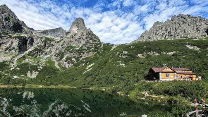 Zleva: Černý štít (2434 m), Kolový štít (2418 m), Jastrabia veža (2139 m), Kozí štít (2111 m) a Žeruchové veže. - DCIM\100GOPRO\GOPR6800.JPG