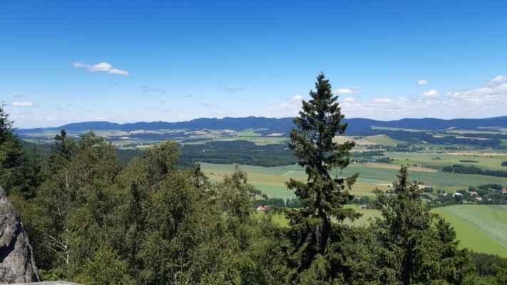 Javoří hory a Suché góry - pro fajnšmekry: nejvyšší je Waligora ( 933mnm) - https://1url.cz/6KEfI