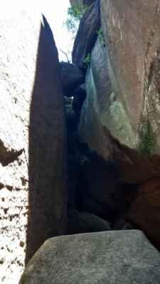 """další český """"Kjerag""""  v Mariánské jeskyni - https://mapy.cz/s/dametecepe"""
