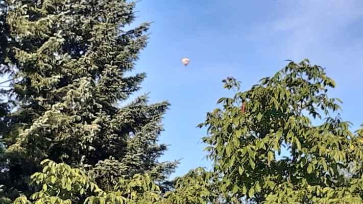 poblíž chalupy přelétal balón - 29.7,2021
