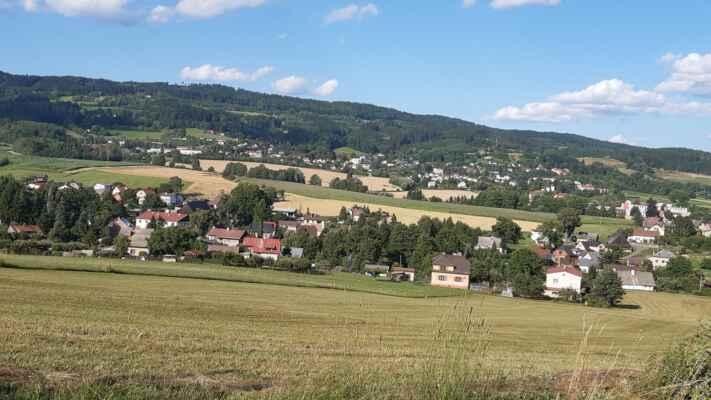 Jestřebí hory - odtud domů už jen 15 km podél Úpy